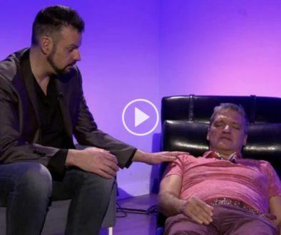 Jorge-Astyaro-hipnotiza-a-Gustavo-Mora-en-Salvame-